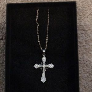 Jewelry - Vintage sterling silver cross with cz